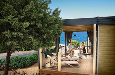 Alloggi di lusso al camping je evac camping adriatic for Piani di lusso sul lungomare