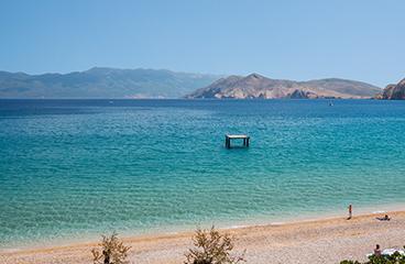 Strand en zwembad camping baška beach camping adriatic